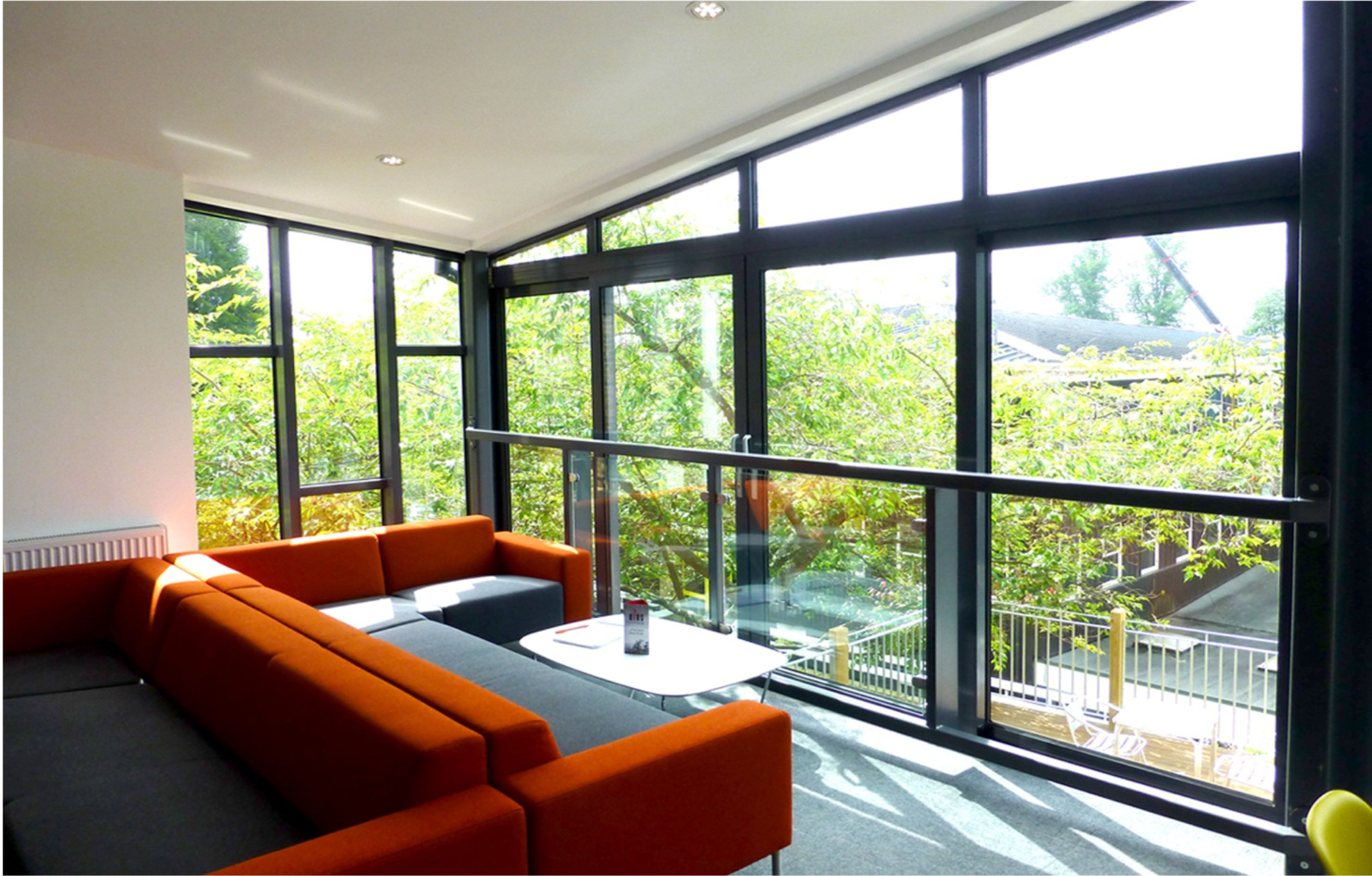 learning cafe university of winchester studio four architects. Black Bedroom Furniture Sets. Home Design Ideas